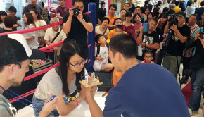 Thumb-Wrestling-Hong-Kong-Tournament